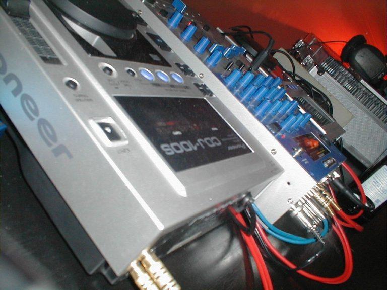 Odtwarzacze sieciowe dla zestawów stereo multiroom
