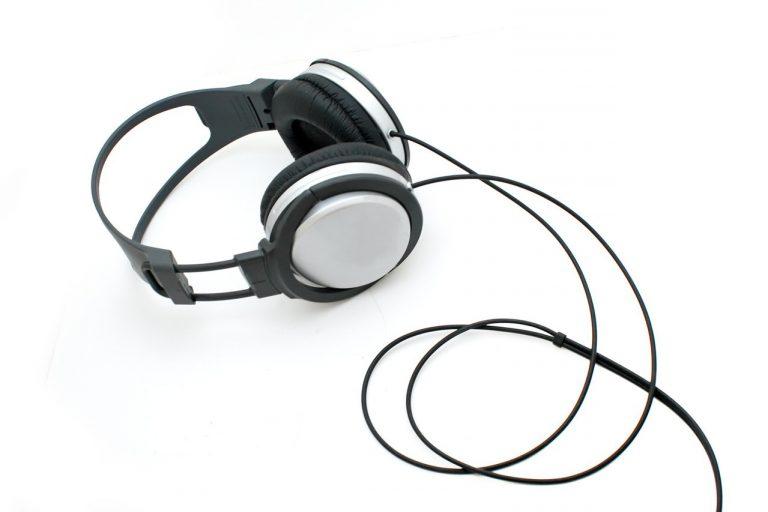 Przegląd słuchawek nausznych
